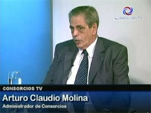 El Adm. Arturo Claudio Molina en el programa de TV por cable Consorcios TV.